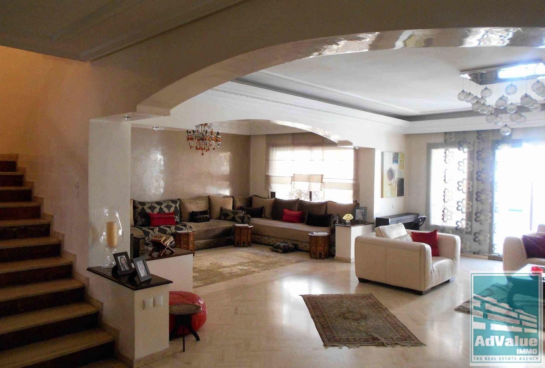 DV.267 : Beau duplex de 318 m²