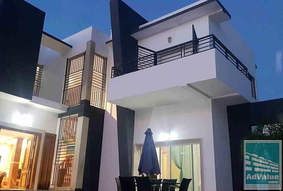 DV.240 : Jolie villa de 613 m² à Lot. Floride