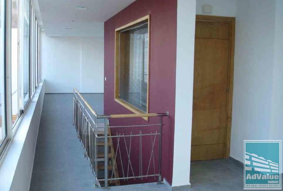 DL.301 : Immeuble de Bureaux à Louer à Abdelmoumen :