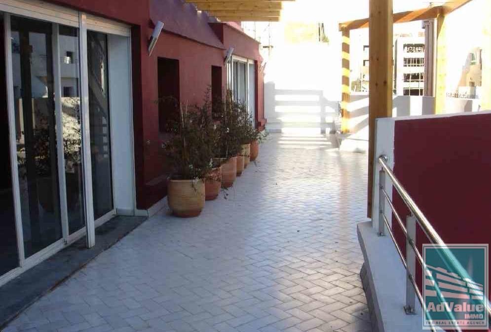 DV.300 : Immeuble de Bureaux à vendre à Abdelmoumen :