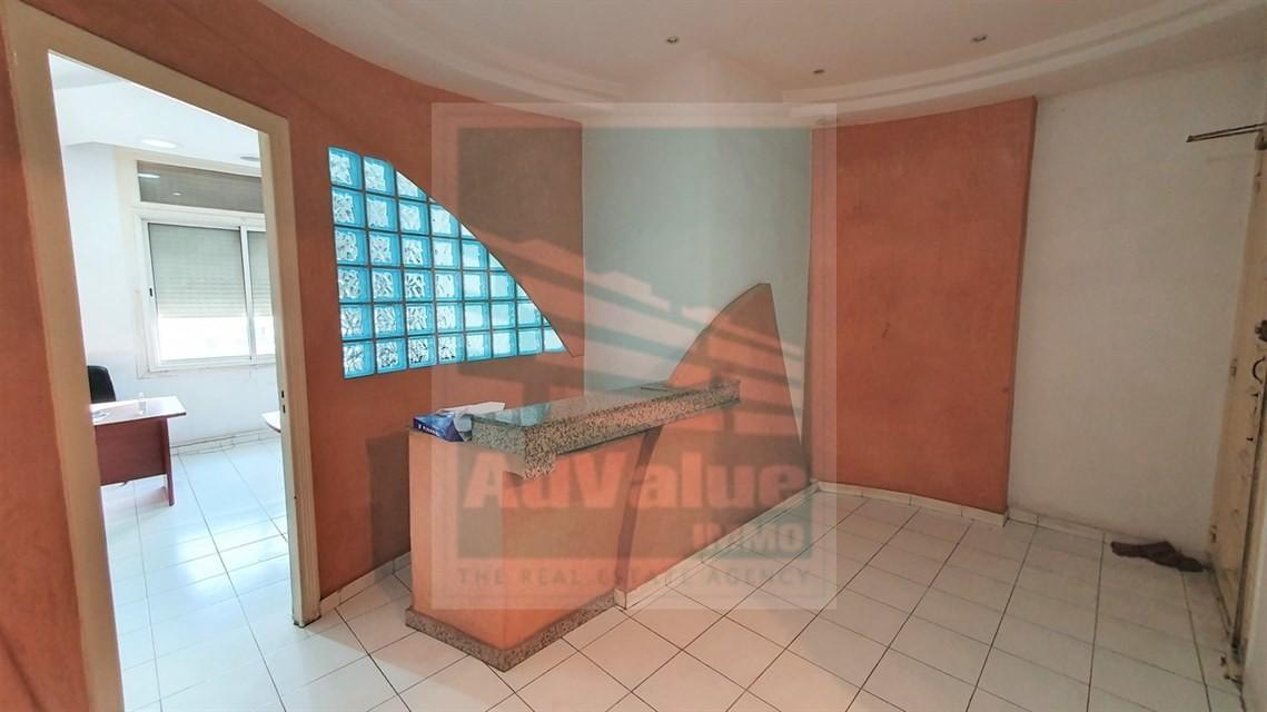 DV.688 : Plateau Bureau de 75 m² Bd du 11 Janvier :