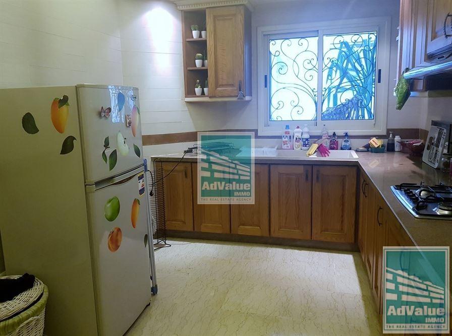 DL.457 Bel appartement central dans rue calme
