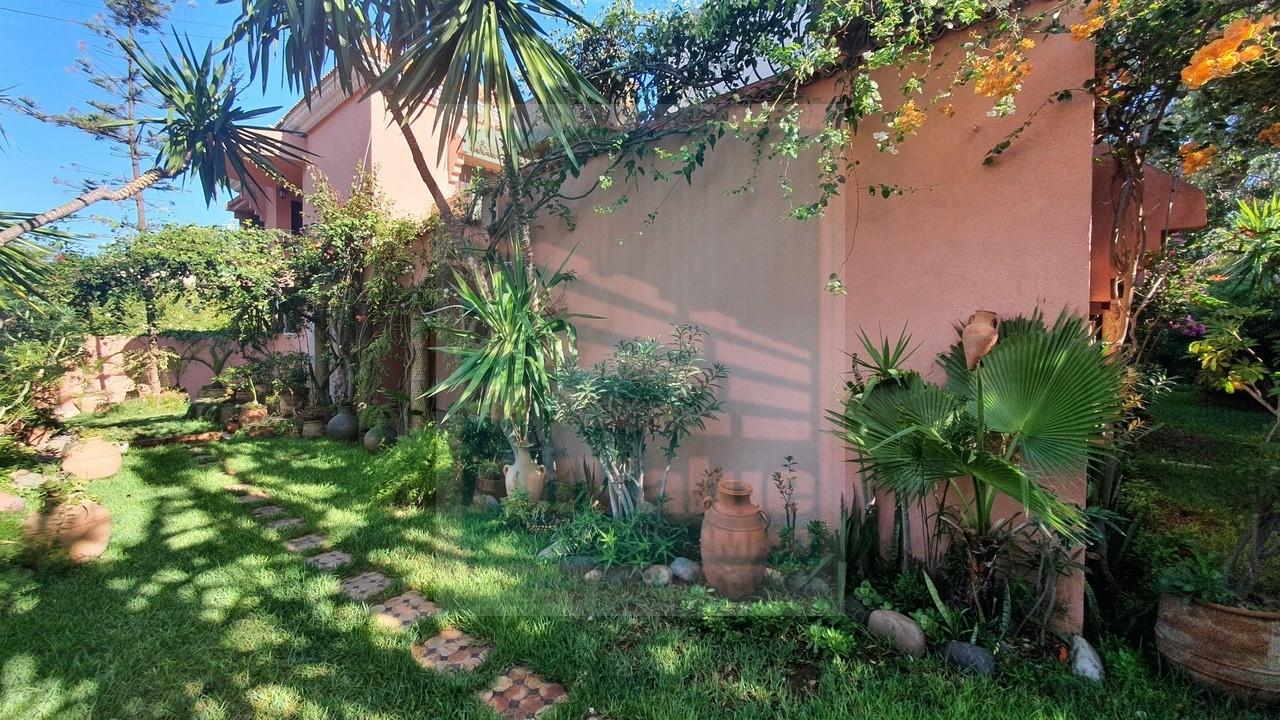 DV.653 : Villa de 1068 m² - Anfa :