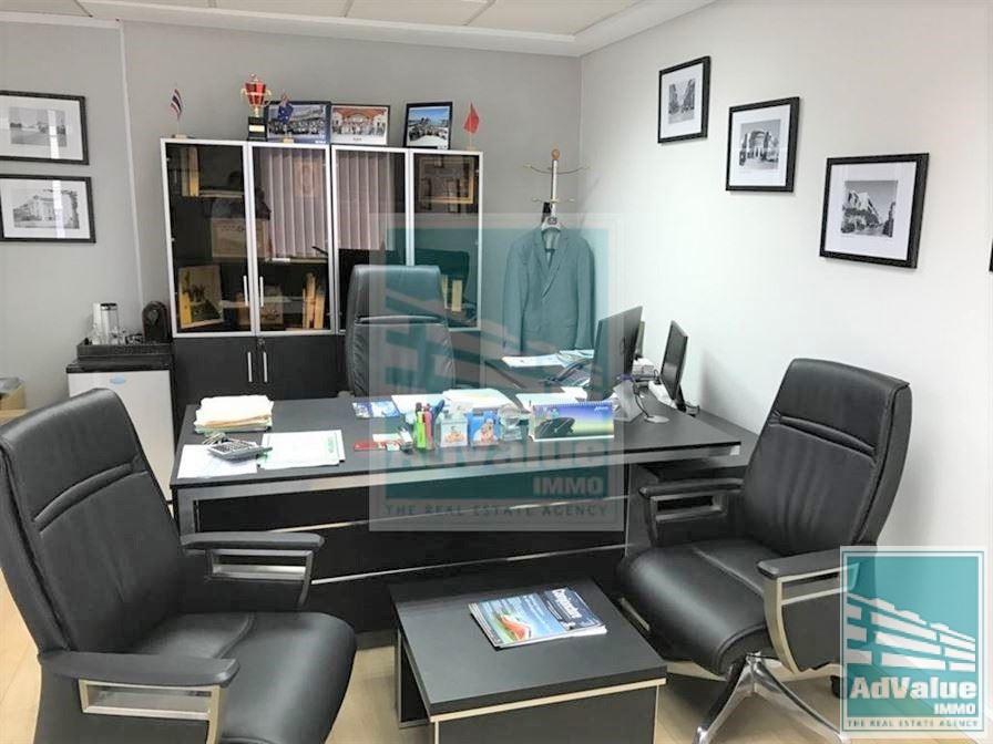 DL.494 : Plateau bureau de 127 m² Place Paquet :