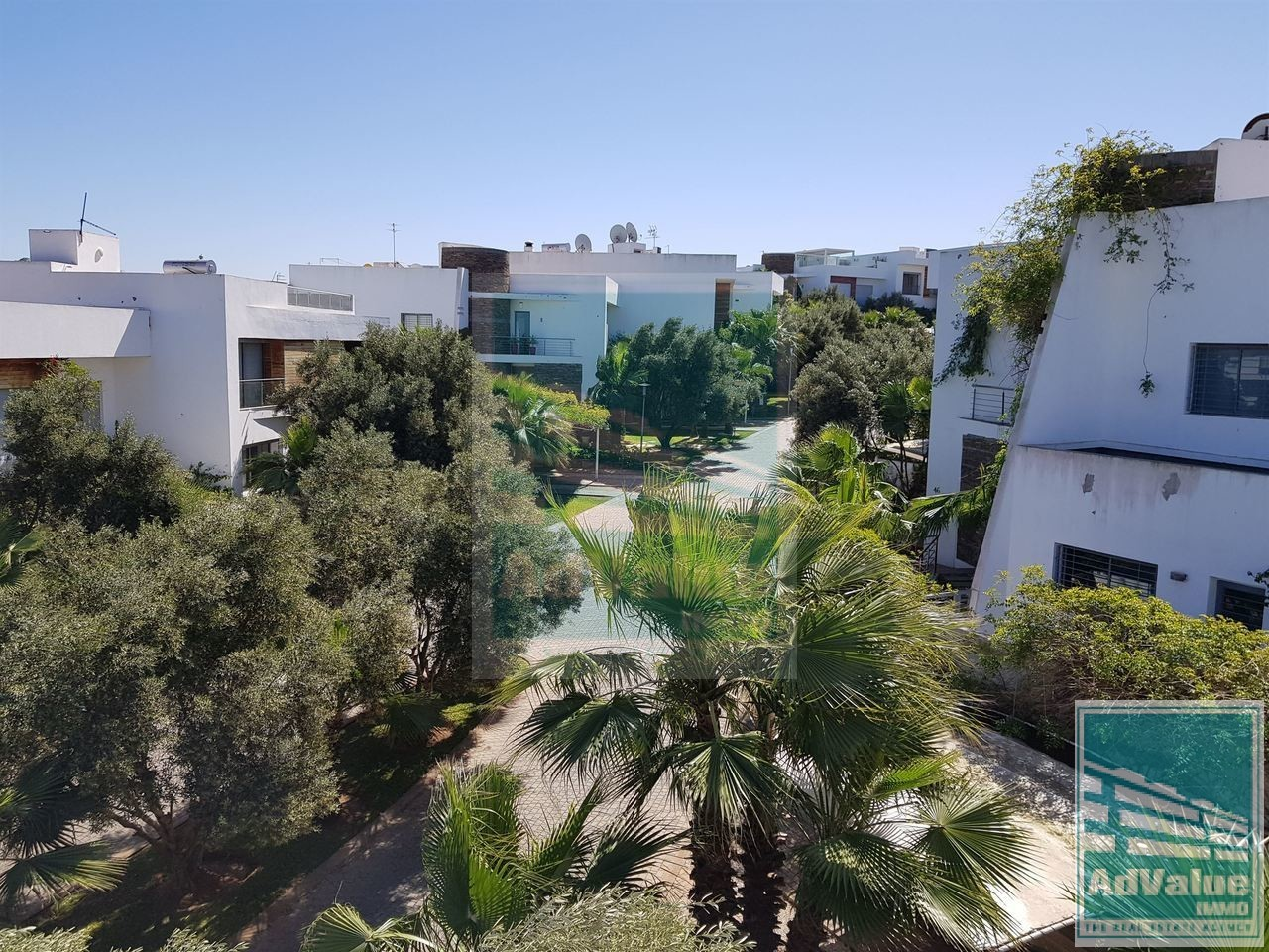 DV.432 : Villa avec piscine à Aïn Diab :