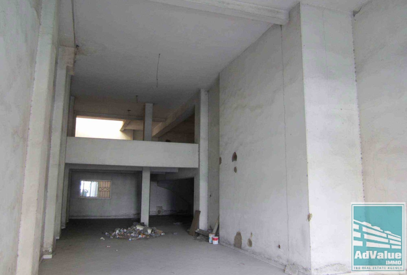 DV.112 A : Local commercial de 210 m²