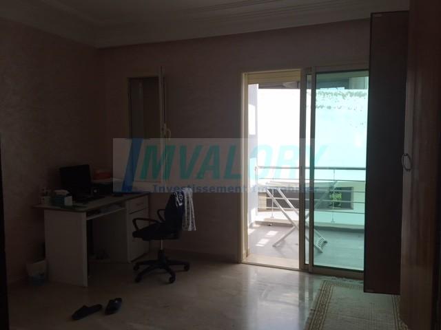 A vendre Villa en bande résidence fermée Laimoun
