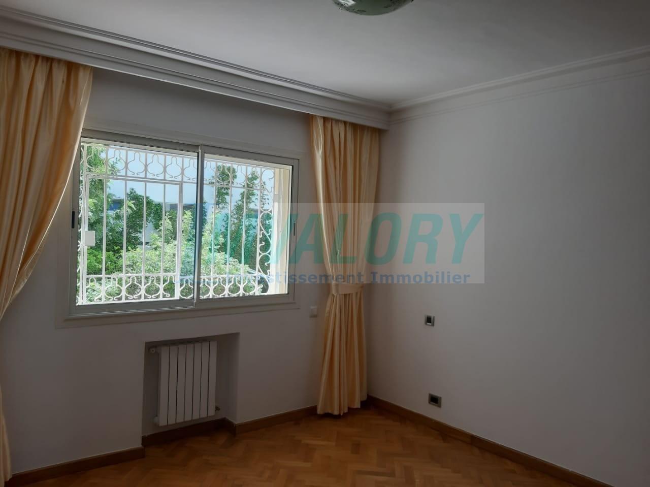 Appartement meublé de prestige 225 m² AIN DIAB
