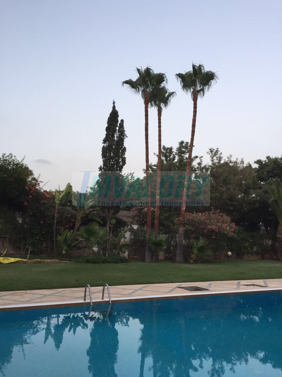 A vendre villa de maître de 3700m² a Californie