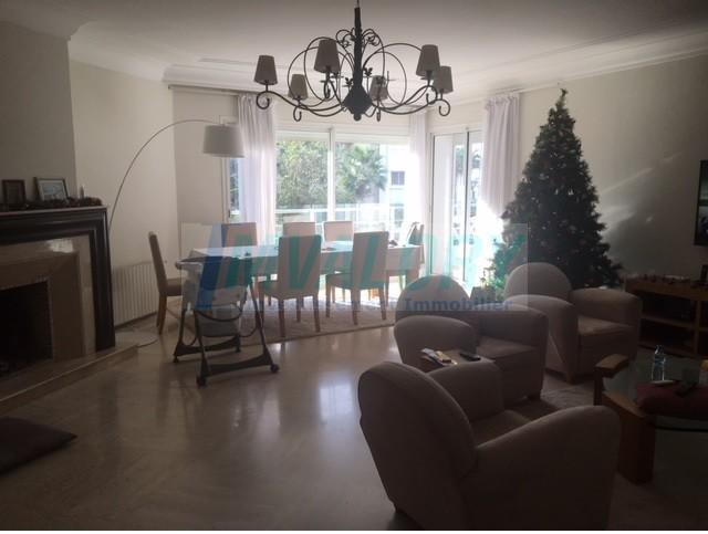 A vendre Appartement 221m² ain diab