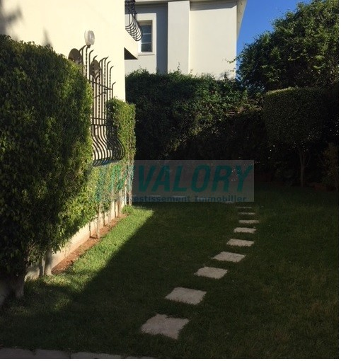 A louer Villa 4CHB CIL 400m²