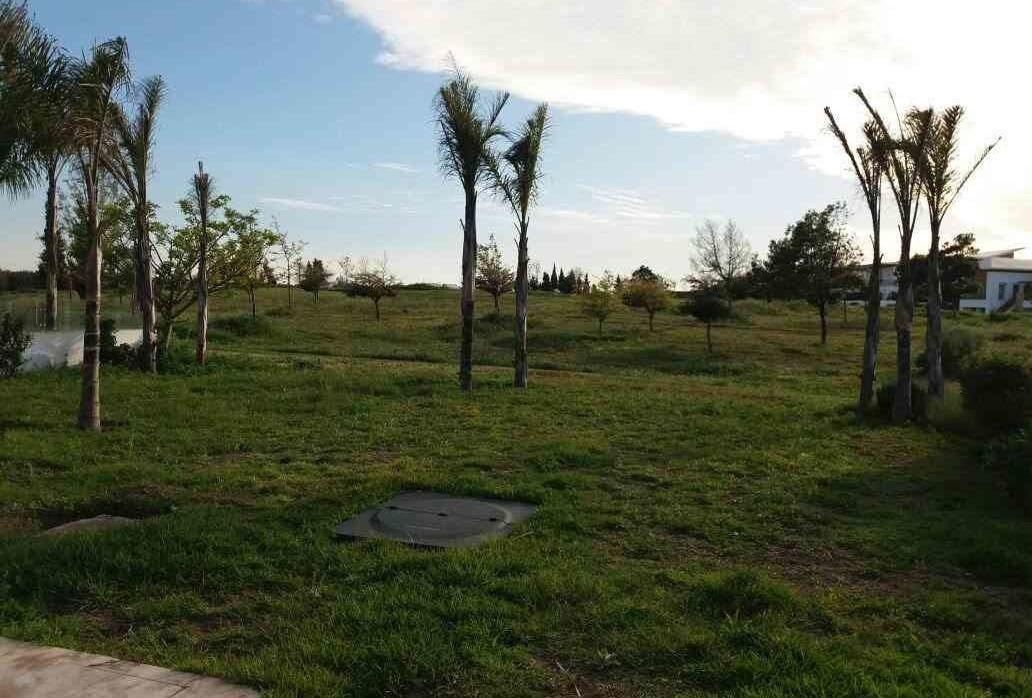 A vendre villa Jumelee 790m2 front golf bousk