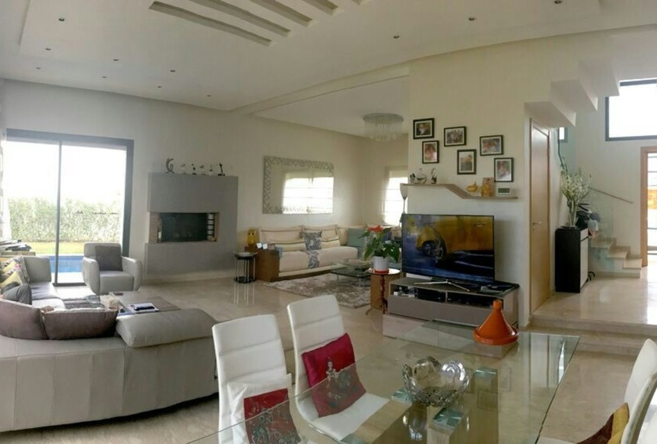 A vendre Villa 375m² Dar Bouazza Résidence Sé