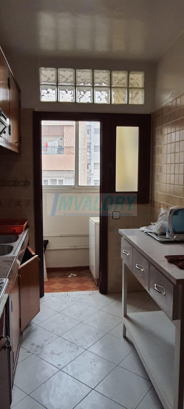 A vendre appartement 72m2 Bd Roudani.