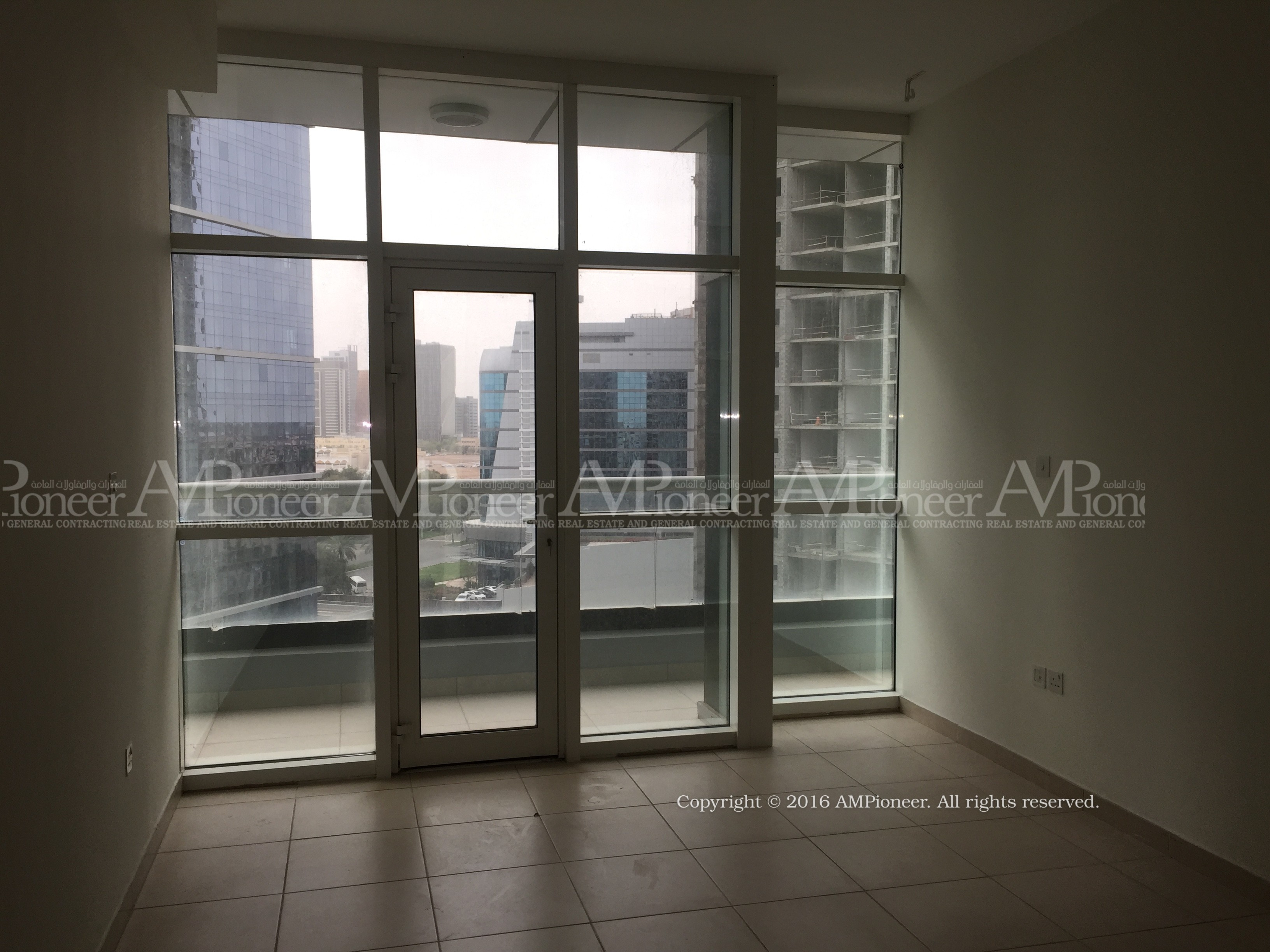 Beautiful 3BR + 1 Apartment with Parking