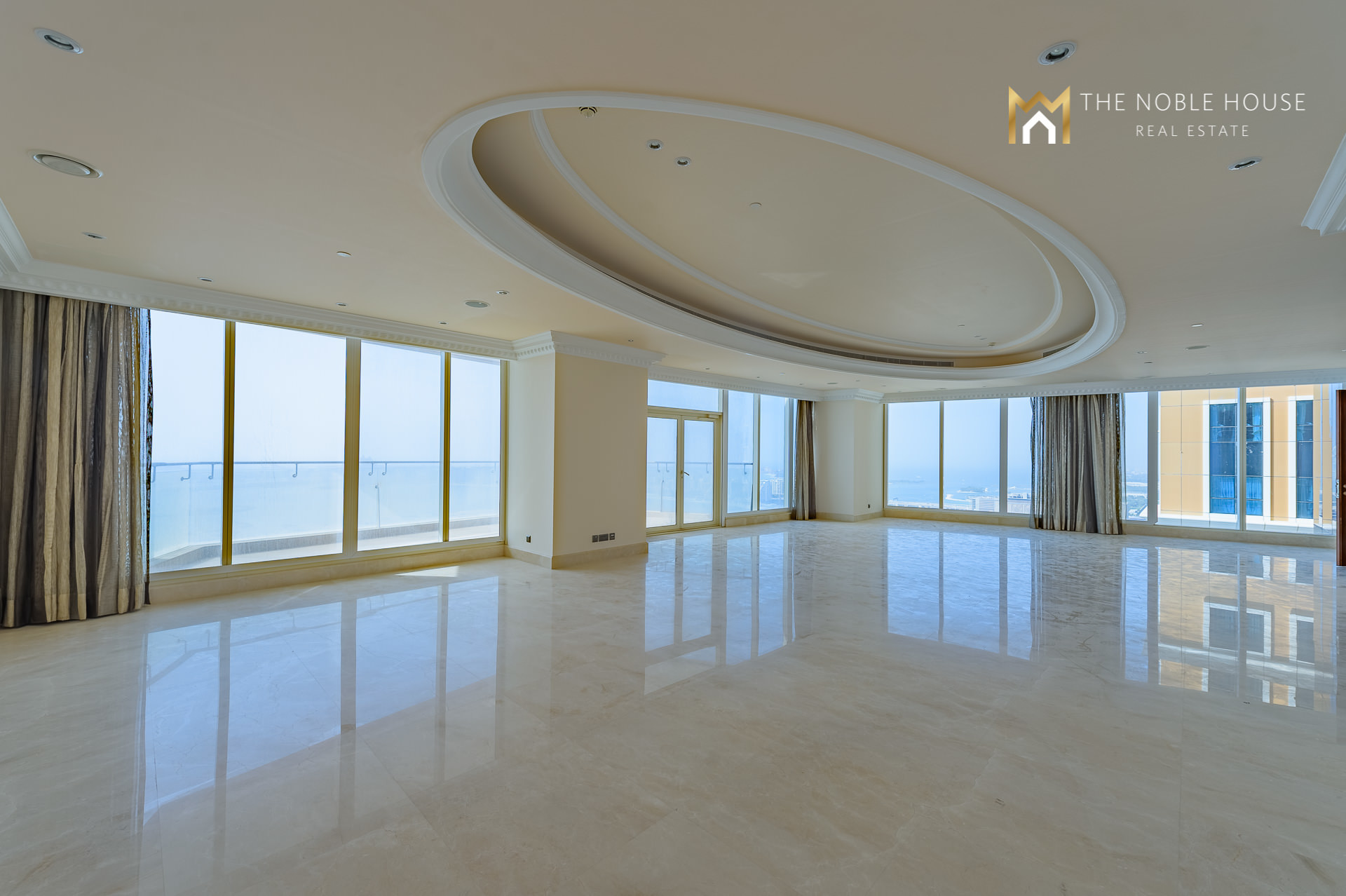 Full Floor Apartment With Panoramic View