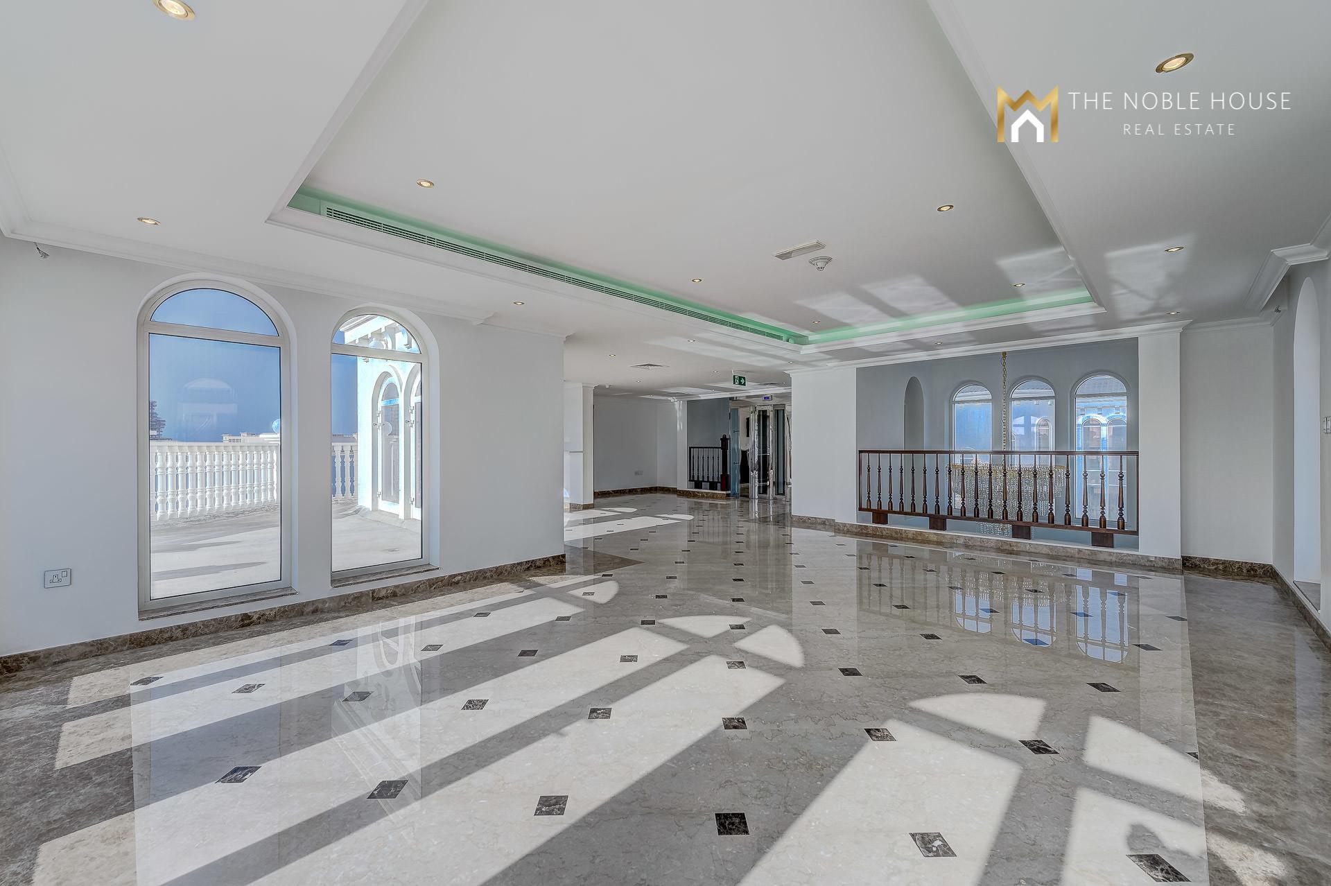 Brand  New Palm Villa Complex On The Tip