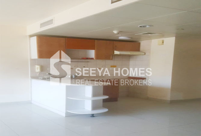 Specious 1 BR Apartment for Rent in Dubai Gate 1