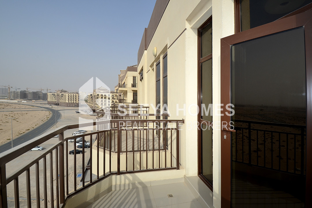 Larger studio fully furnished for rent in Arjan