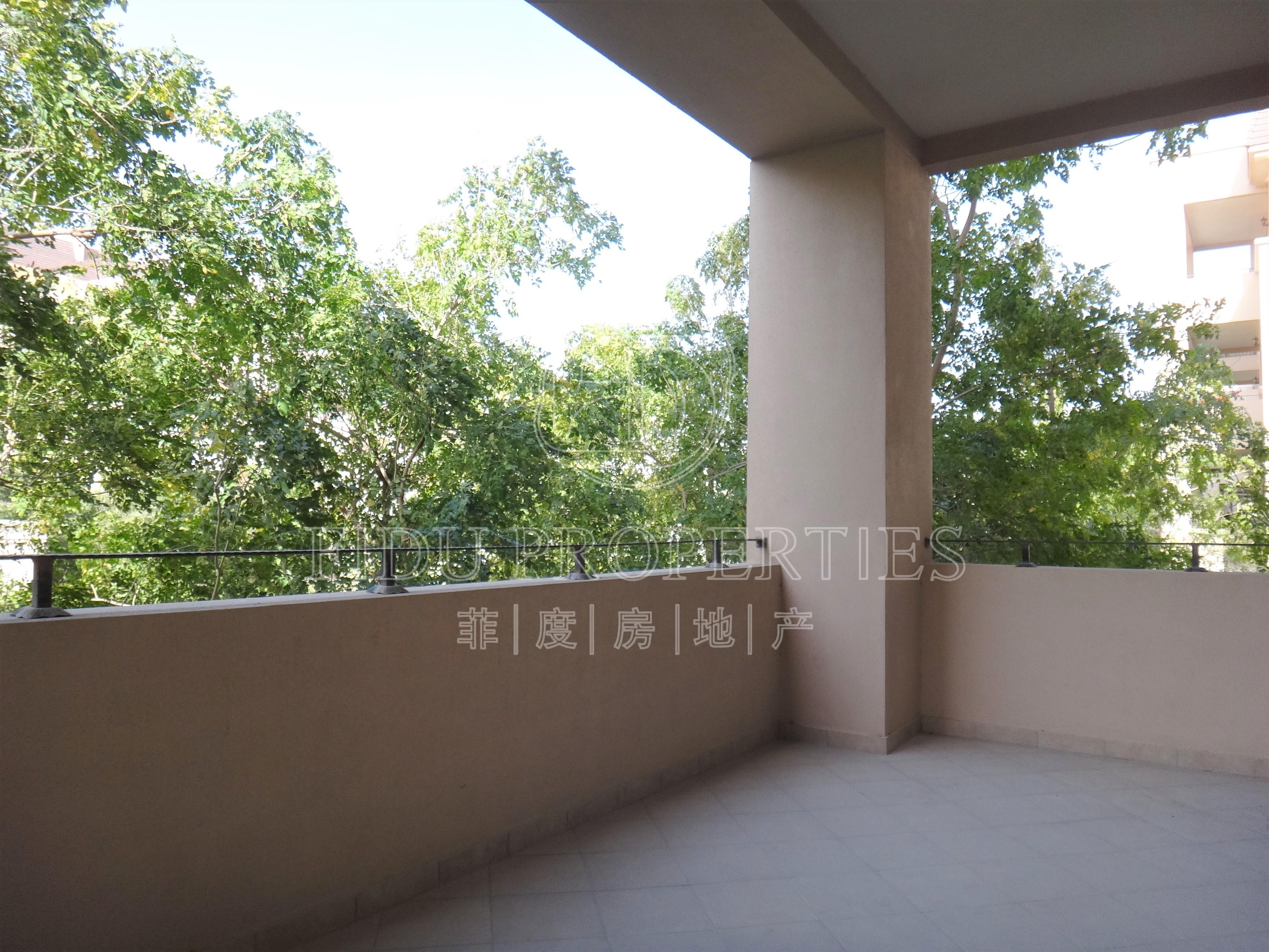 Top floor | Full Garden view |...