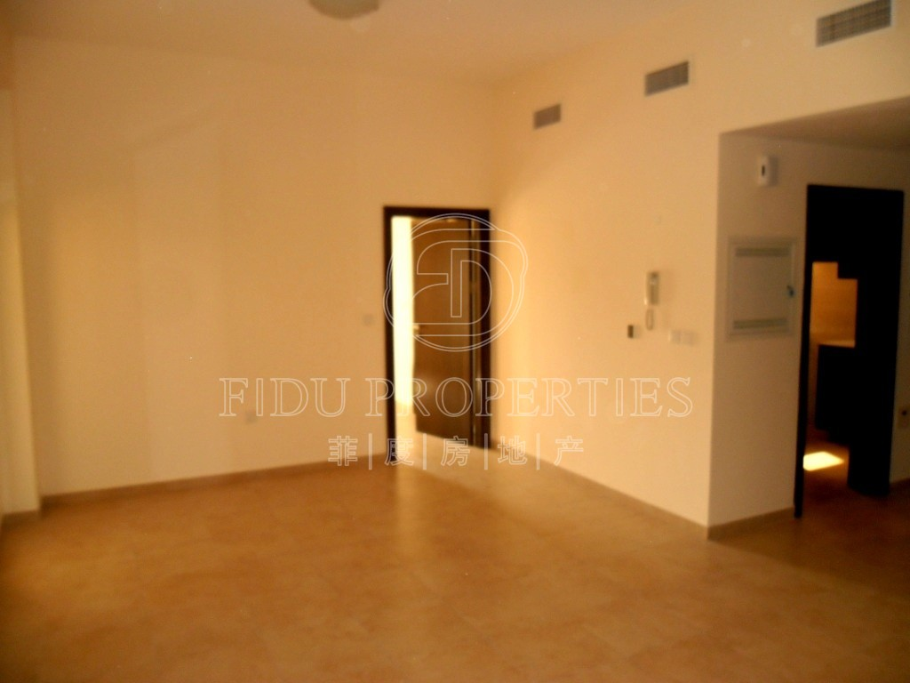 Large One Bedroom w/ Two Large...