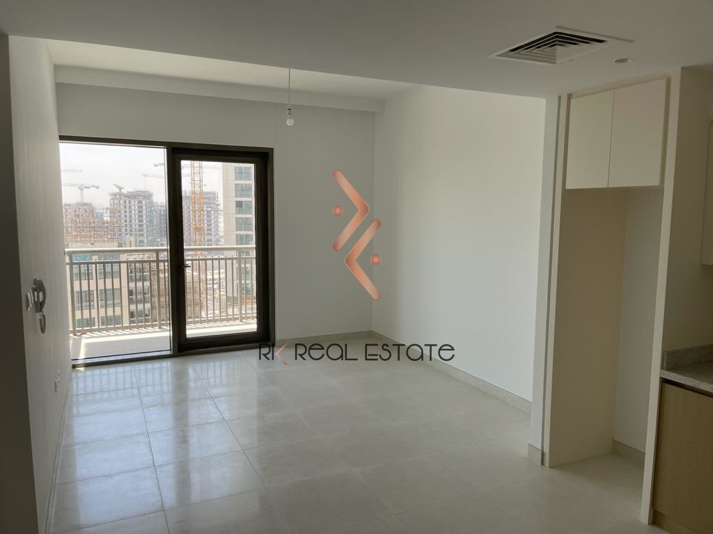 Brand New 1BR, Pool View