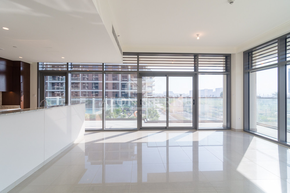 Beautiful 2 Bedrooms Apartment In Mulberry 2