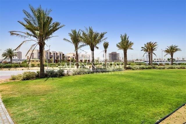 Land, Villa Plot G and 11, Urgent Sales.