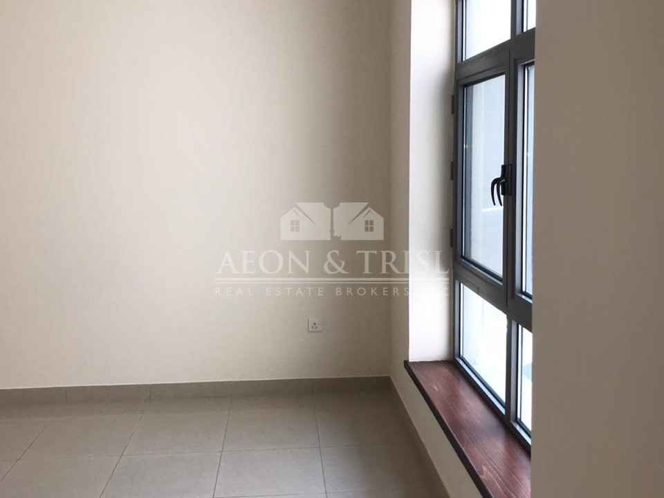 Vacant 2 Bedroom in Arno A | Lake view I Hot deal
