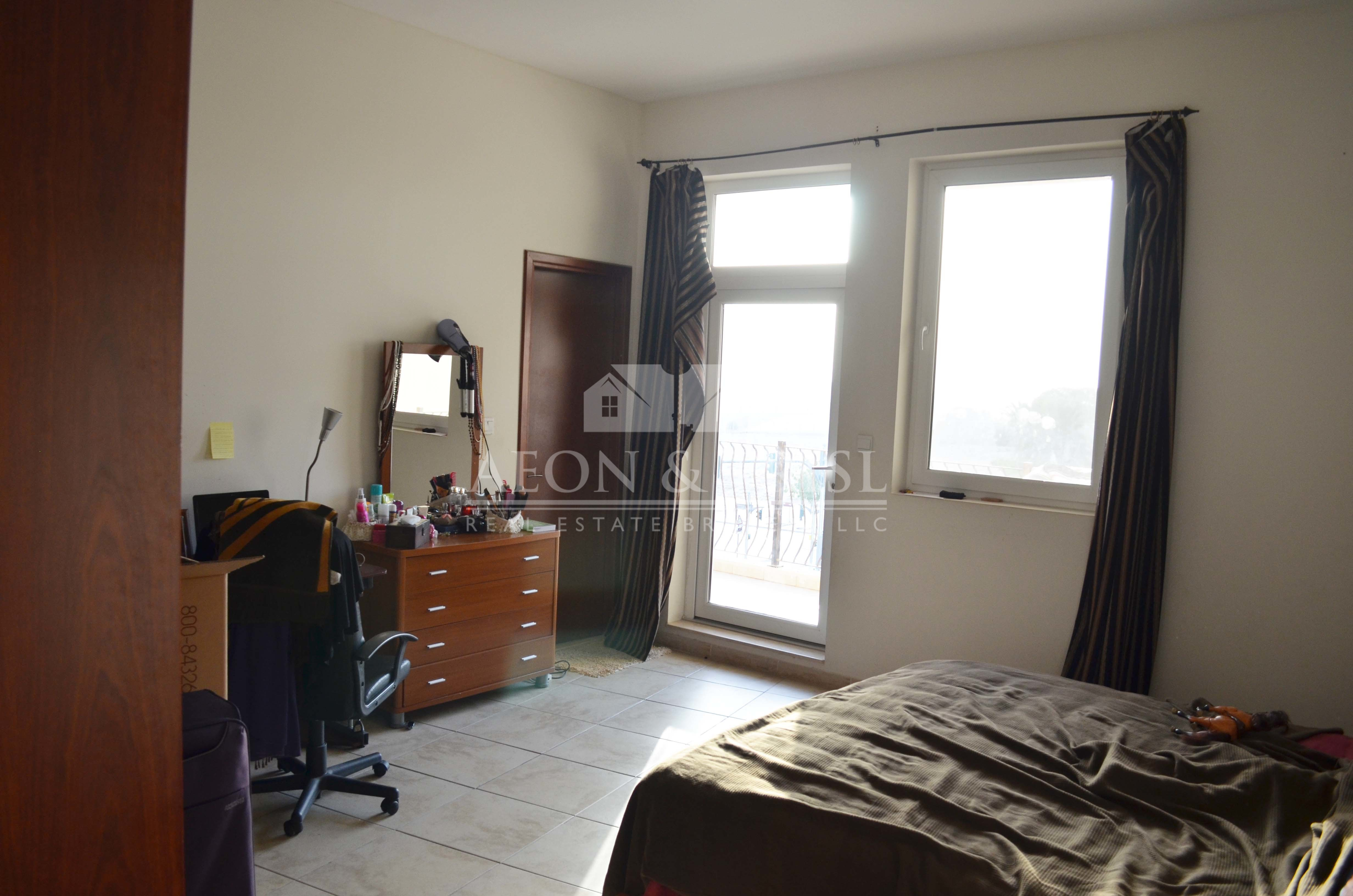 2 Bed with laundry and store | Sunset View