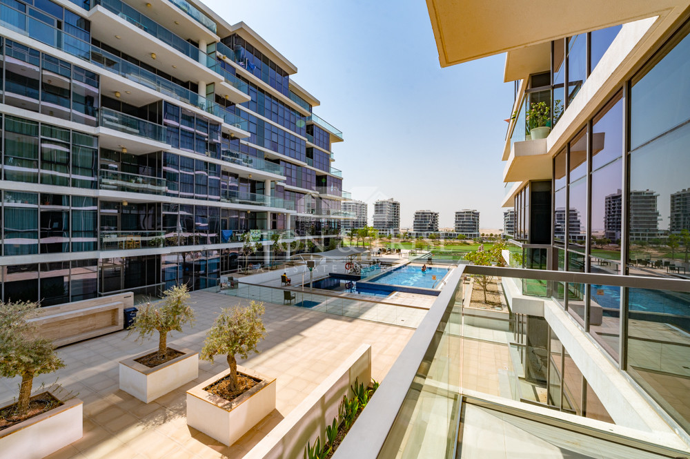 Pool view Boulevard View Corner Kitchen Appliances