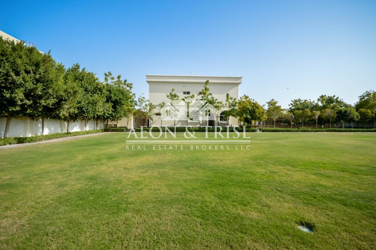 6 beds with huge plot, private pool in Al Safa 2