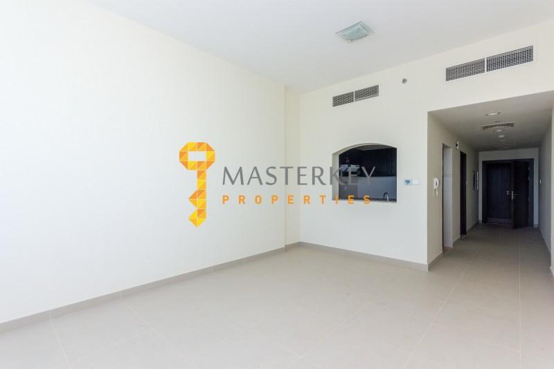 Brand New Large Studio| Multiple Chqs Options