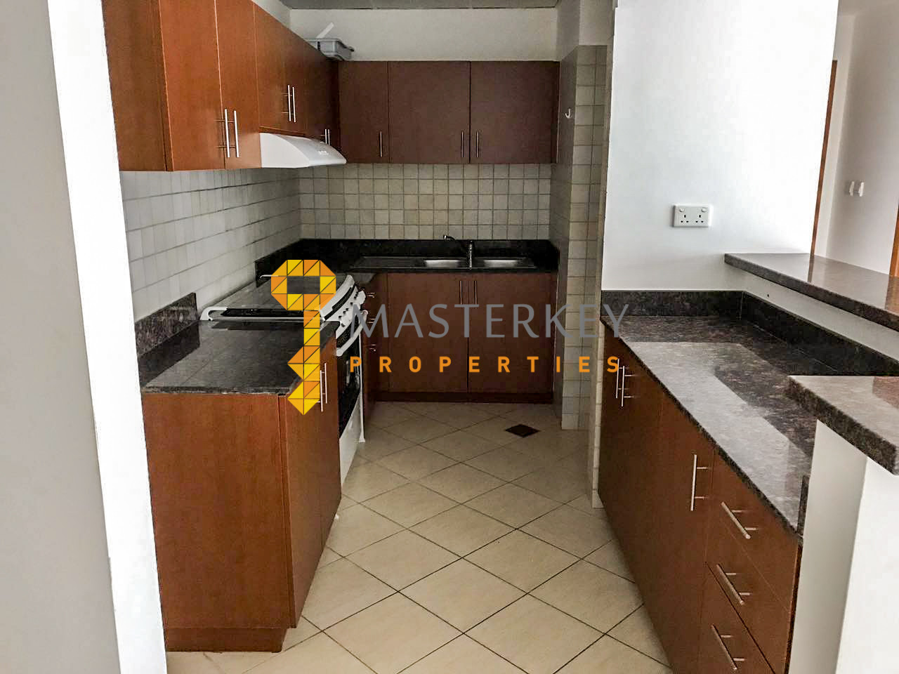 Affordable Large Apt at Low Price| Balcony