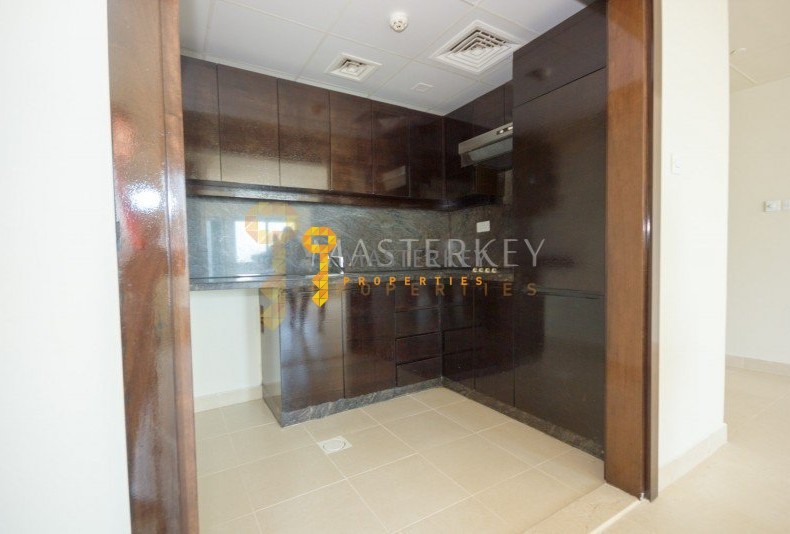 Spacious 1BR aprt with Sea & Marina View