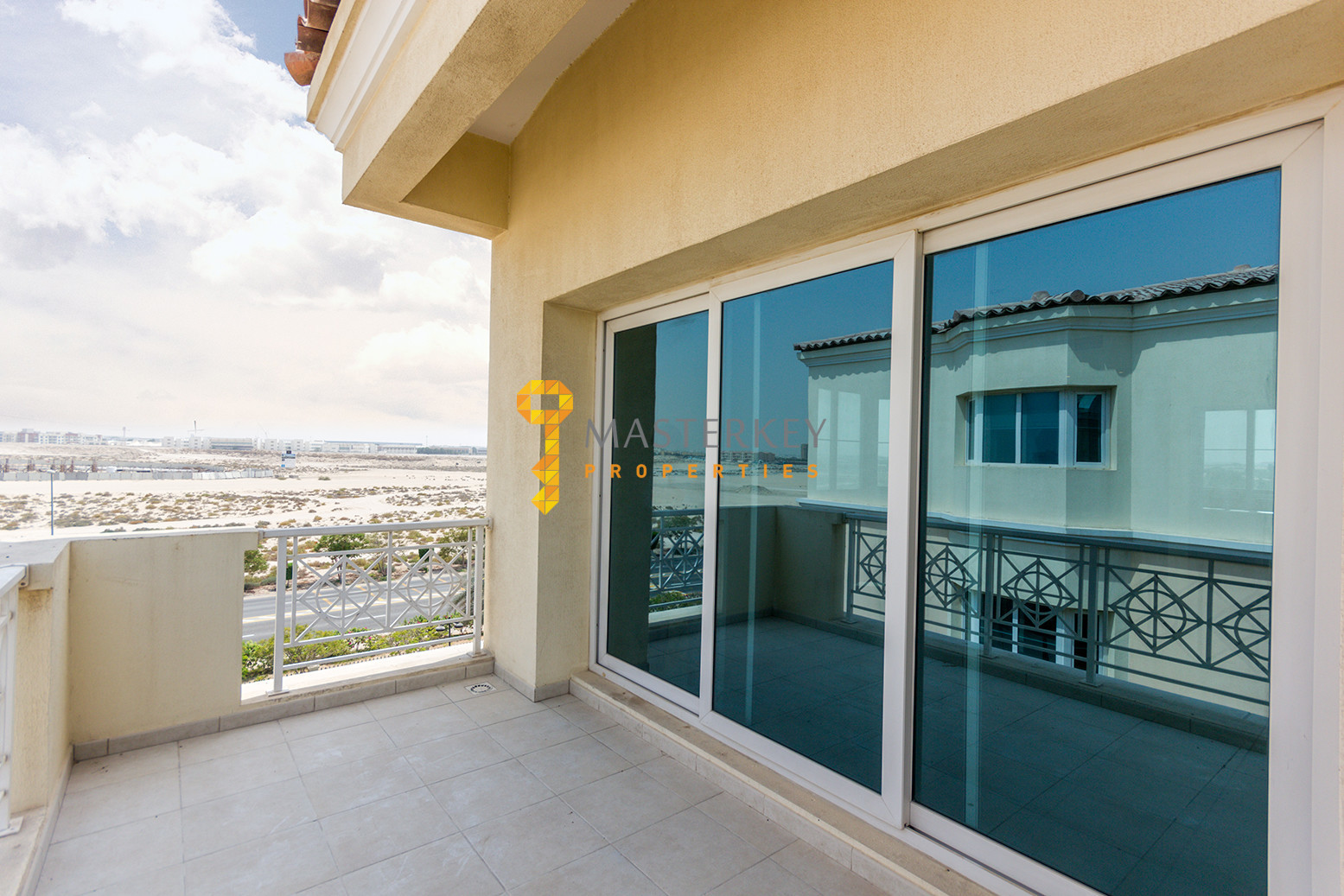 Pool and Garden view apt with huge balcony