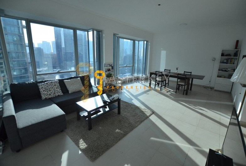 Marina & Sea View Spacious 2BR Apartment
