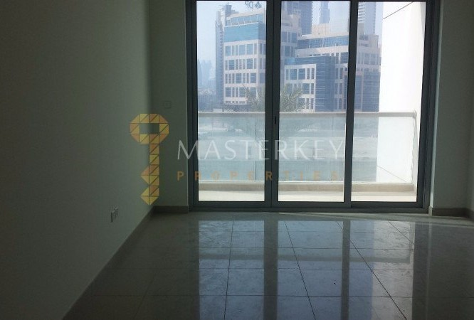 Canal and Burj Khalifa view Rented 1 BR apt