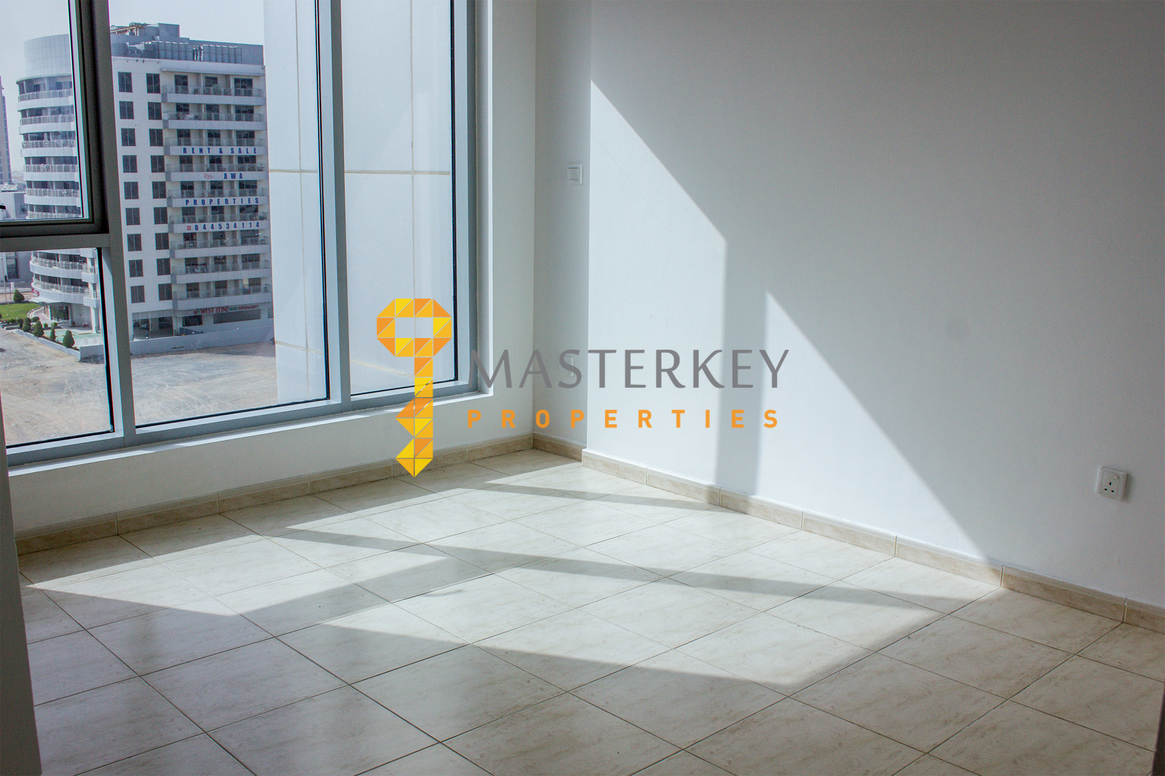 2BR w/Balcony:No Commission/12 cheques/1month free
