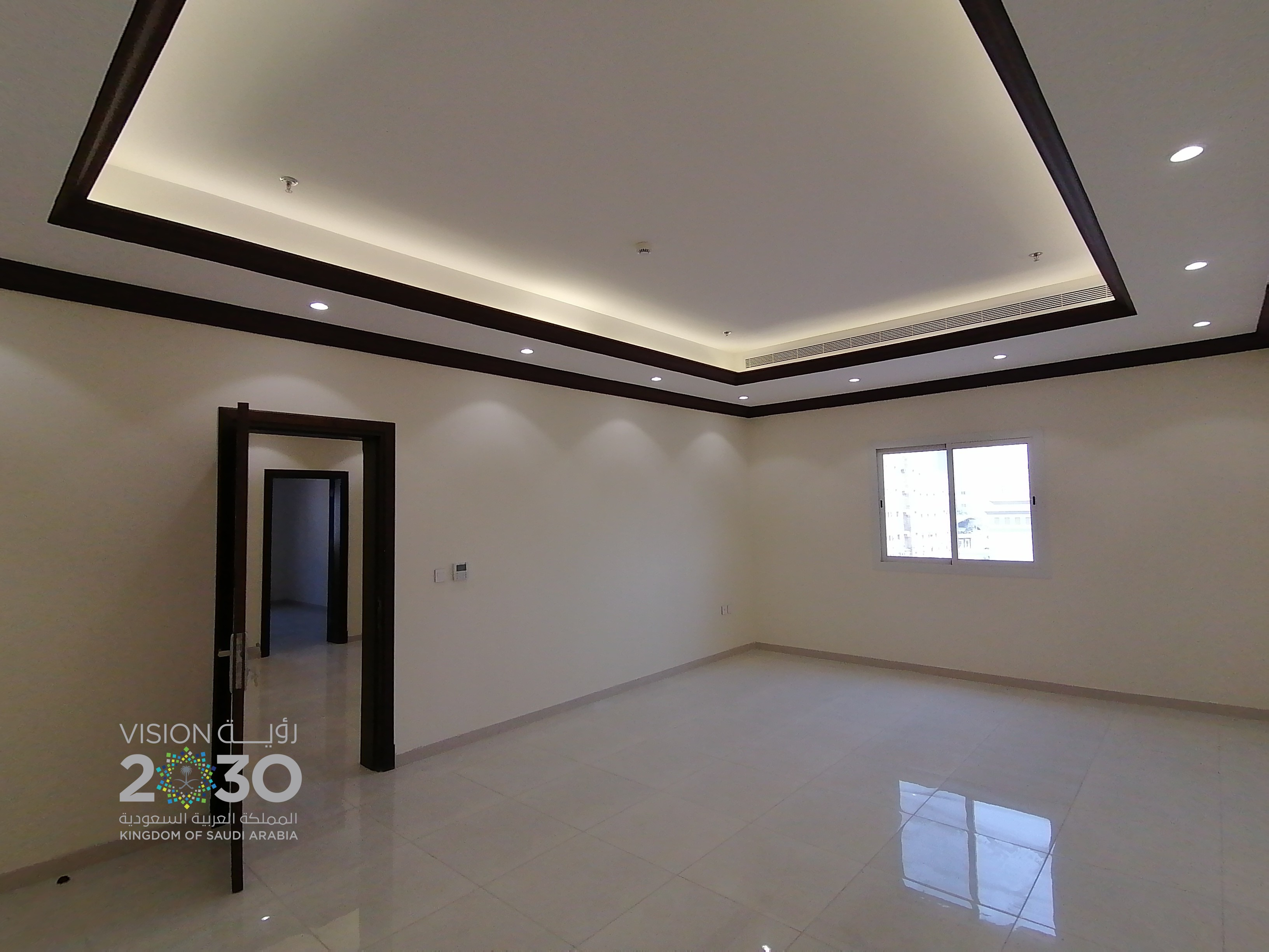 Economical Office  Near Tahliya st Jeddah  Only 425 SR / SQM