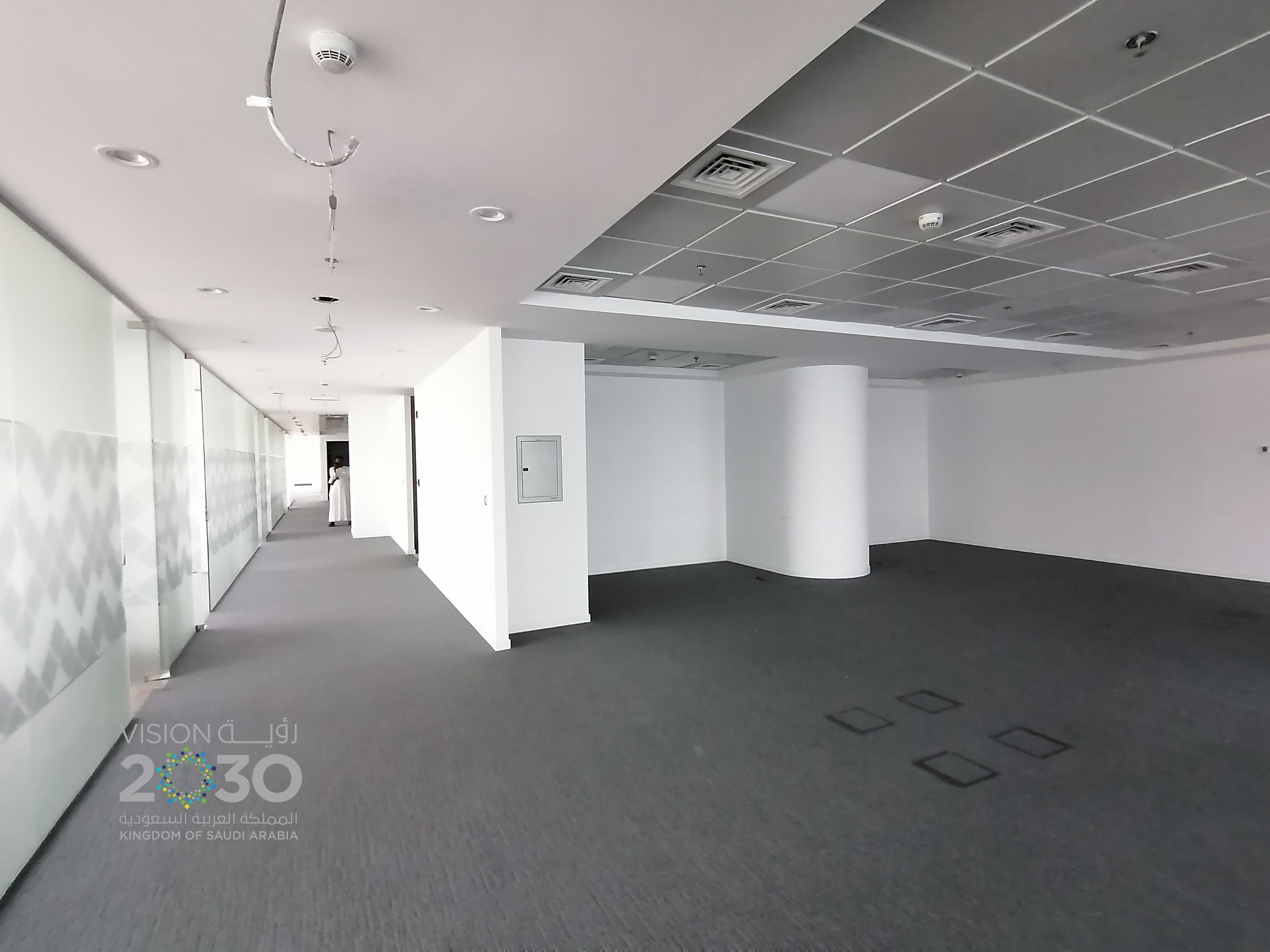 High End Office Space FOR RENT HQ TOWER