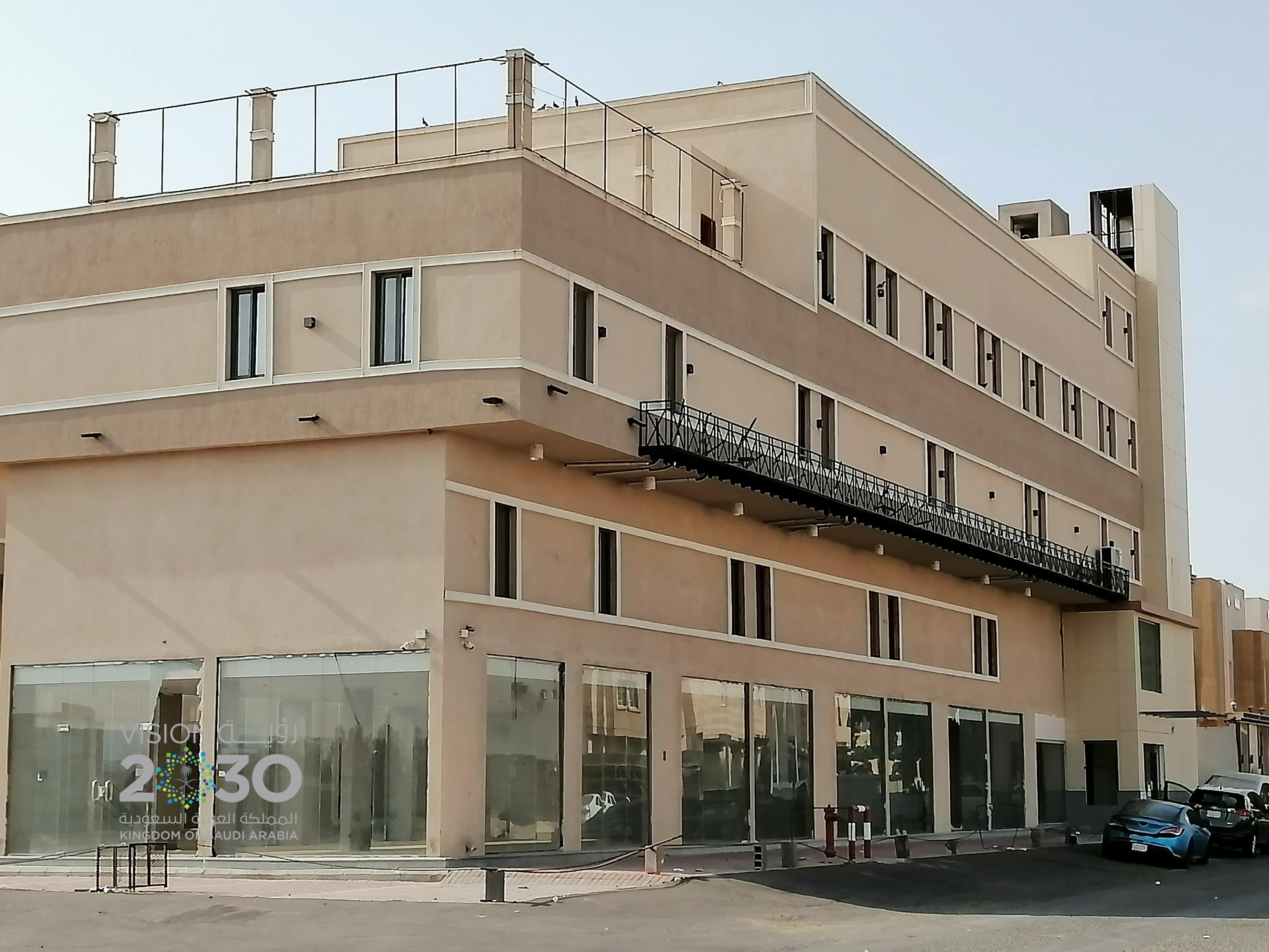 مشروع معارض تجارية بمساحات مختلفة و شقق سكنية  فندقية  بمركز  بحي الحمدانية  بجدة