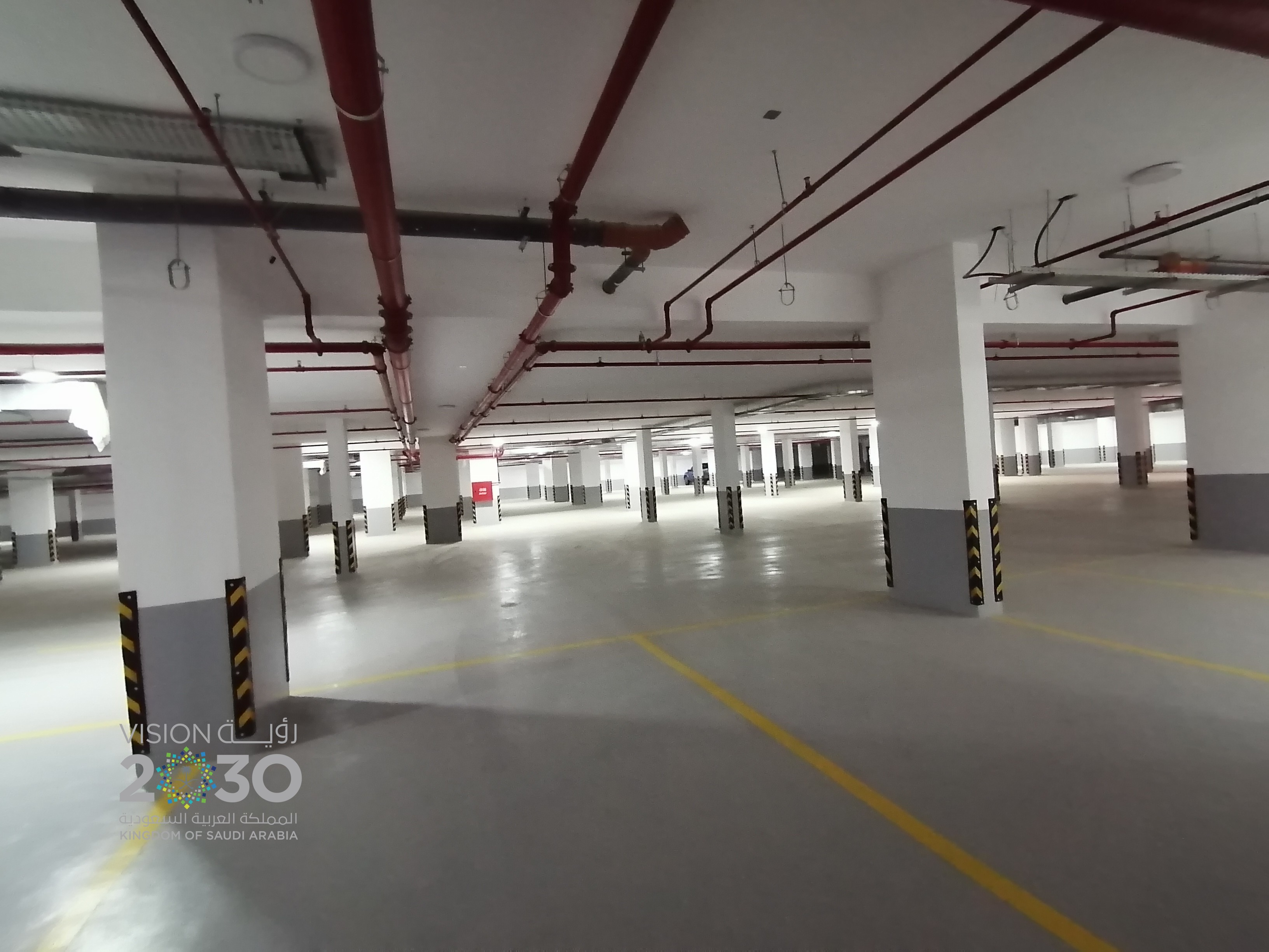 Economical Office  Near Tahliya st Jeddah  Only 425 SR / SQM
