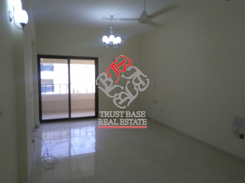 1br-in-oud-metha-vacant-up-to-4-checks