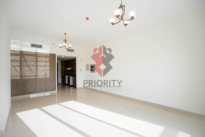 Elegant Studio| 4 Direction Residence 1