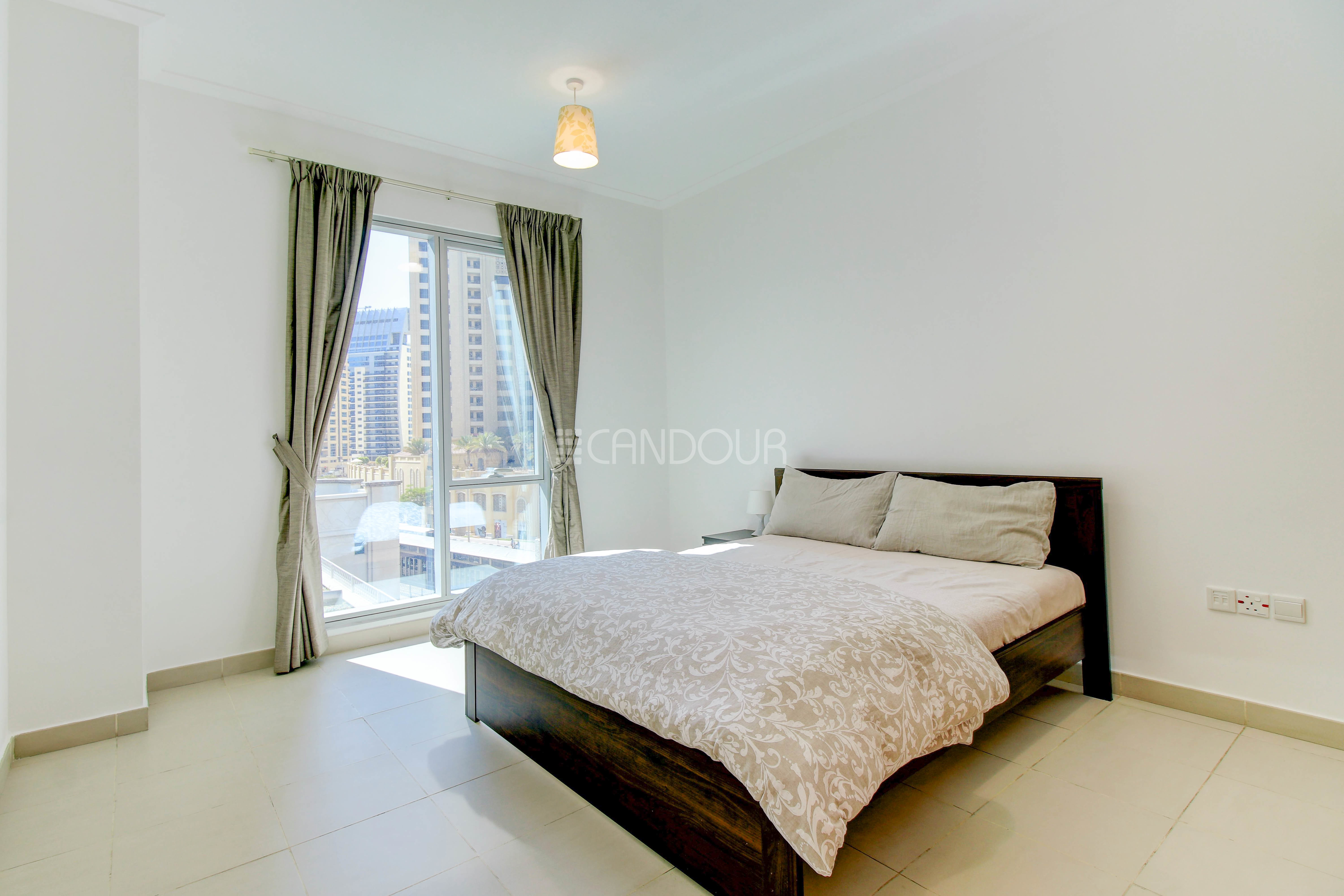 Bright Apartment | Chiller Free | Multiple Cheques