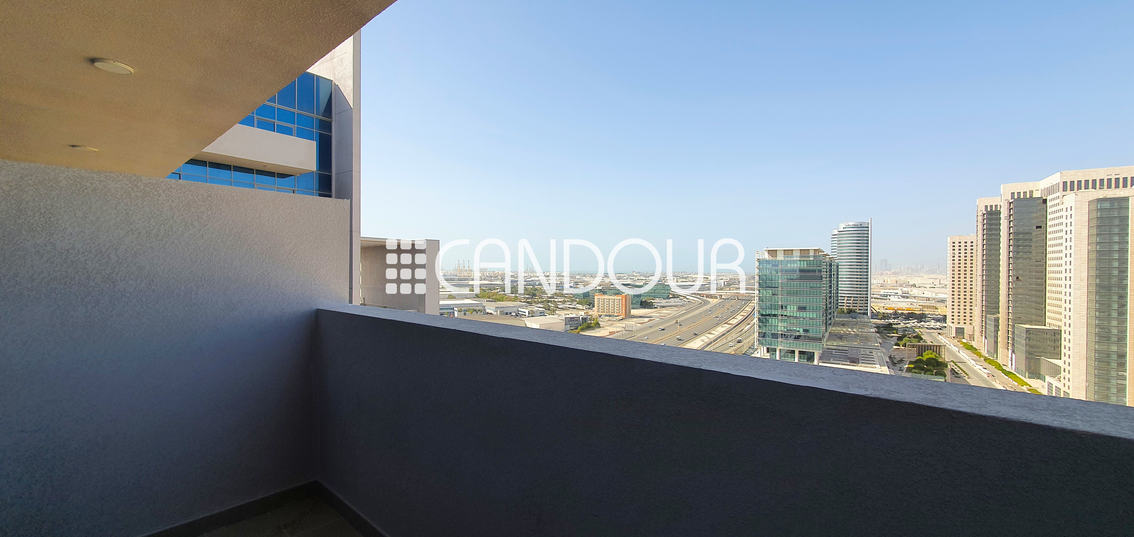 BRAND NEW STUDIO | EQUIPPED KITCHEN | ONE PARKING
