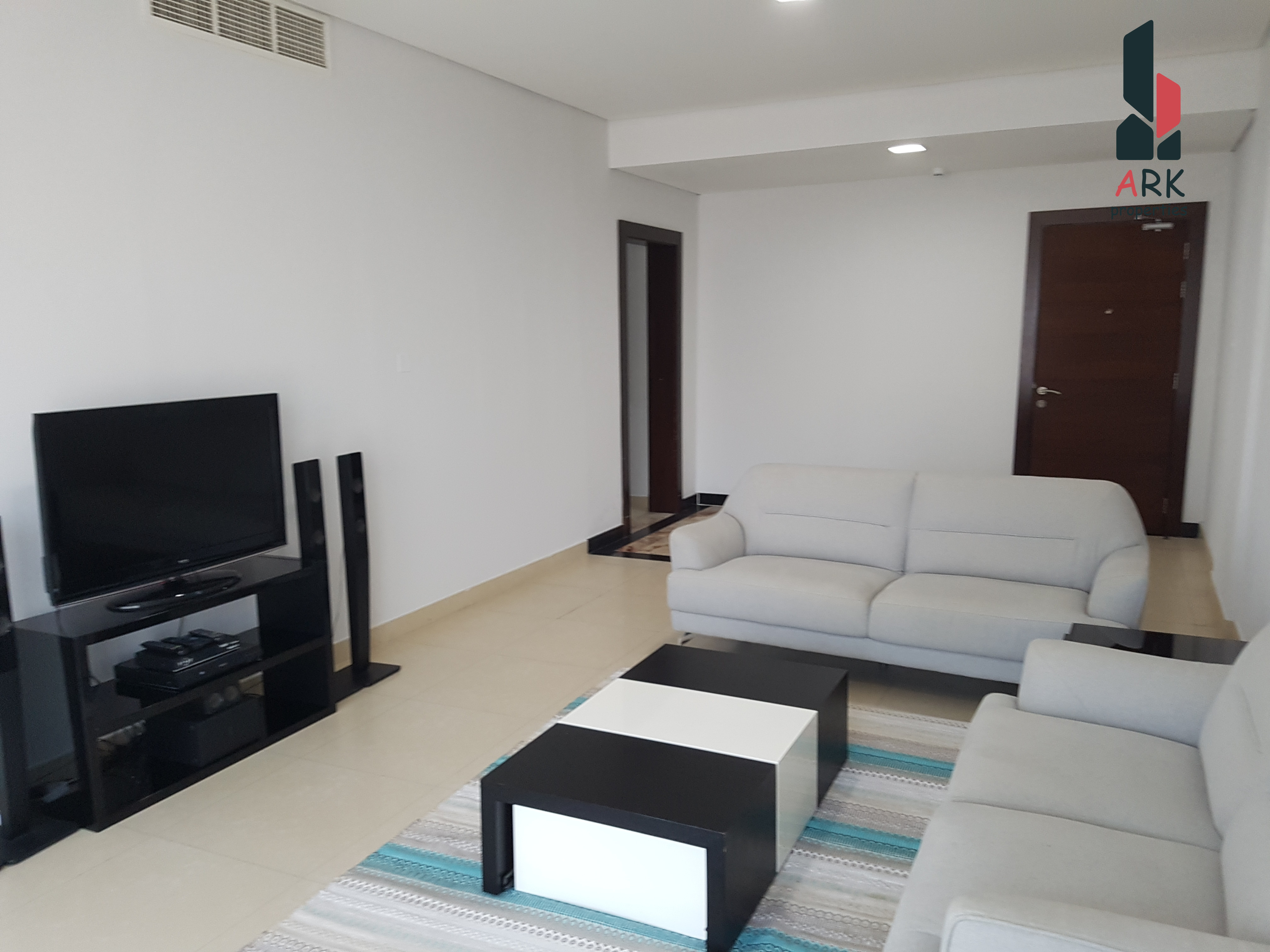 Spacious Apartment with  Swimming Pool + GYM