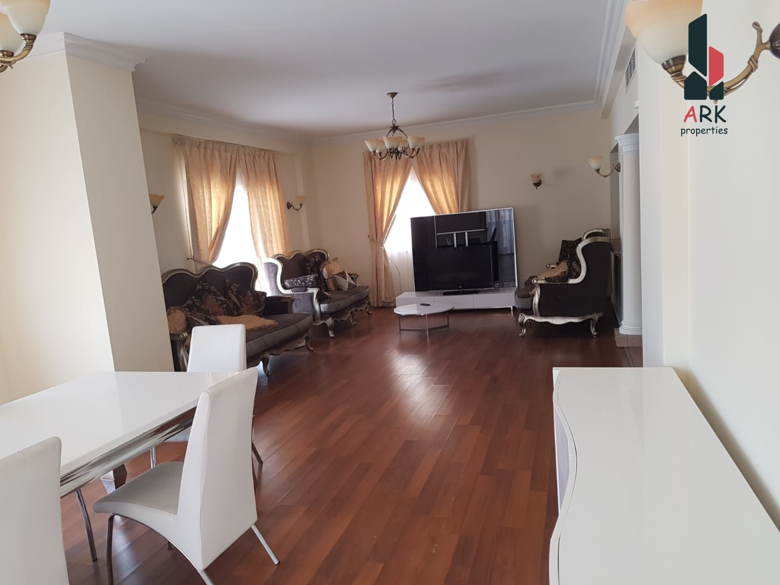 Duplex, bright and spacious with modern facilities