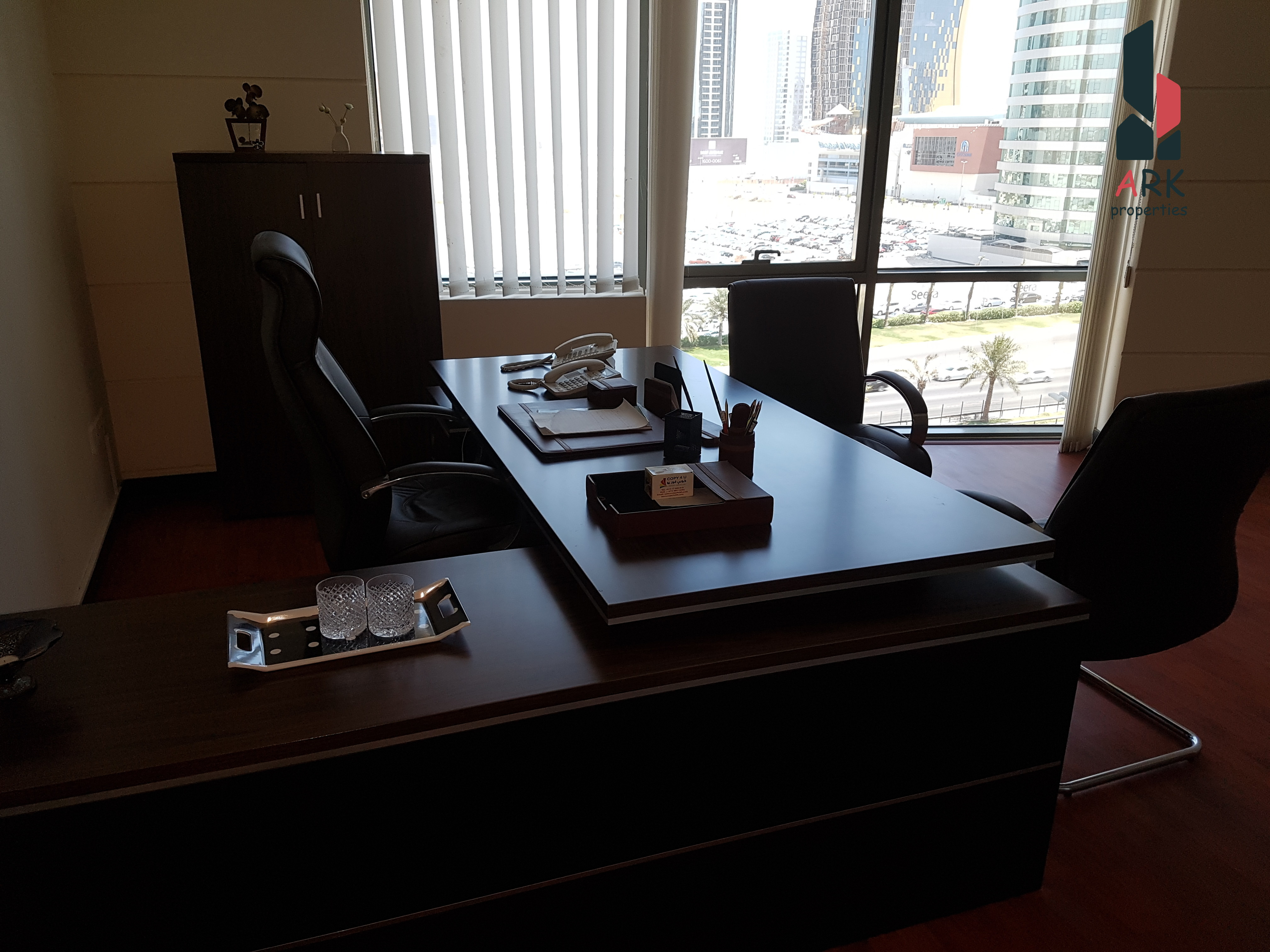 HIGH QUALITY-FULLY FURNISHED READY TO MOVE IN